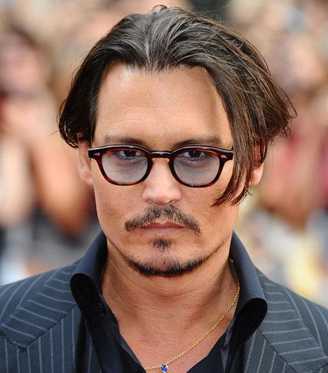 Johnny Depp  Az ezredfordulót követő években eddig háromszor jelölték Oscar-díjra, ám egyszer sem kapta meg, pedig Johnny Depp nemzedékének egyik legkarizmatikusabb egyénisége, akinek nevéhez olyan kultikus alakítások fűződnek, mint az Ollókezű Edward, az Ed Wood, a Félelem és reszketés Las Vegasban vagy A Karib-tenger kalózai.  Kapcsolódó címke: Johnny Depp »
