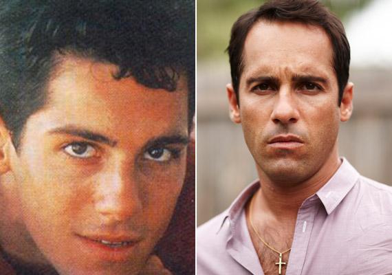 Alex Dimitriades - a sorozatban Nick Poulos: Nick a sorozat alapjául szolgáló film, a Szívtipró kölyök főhőse, aki az első évadban játszik központi szerepet, majd bokszolás közben meghal, miután a fejét éri egy ütés. A most 41 éves Dimitriades a Szívtipró gimivel kezdett el színészkedni, majd pár helyi sorozat mellett olyan filmekben láthattuk, mint a Szellemhajó című tengeralatti horror vagy a Virtuális csapda. Idén fejezték be a Carlotta című tévéfilmjét.
