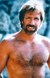 Chuck Norris - a Texasi kopó se csupasz