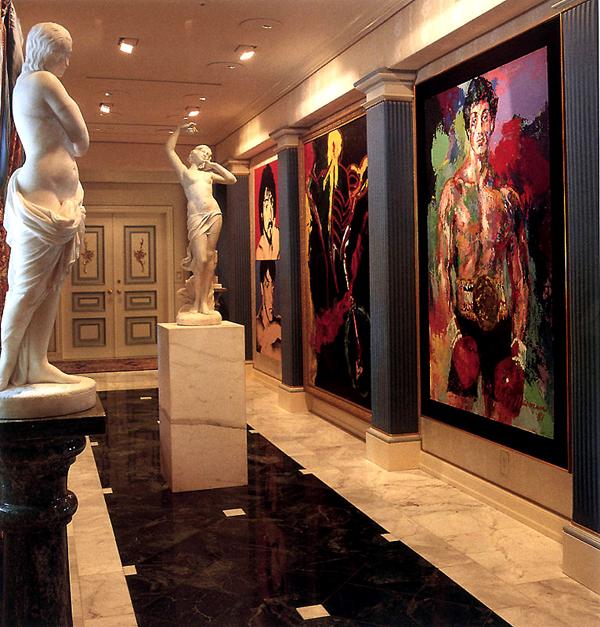 Rocky-ról készült festmény a folyosón