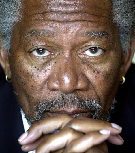 Morgan Freeman  Az Oscar-díjas amerikai színész 2008. augusztus 3-án szenvedett súlyos autóbalesetet. Gépkocsija lesodródott az útról, és többször megpördült a levegőben, ezt követően a sztárt helikopterrel szállították kórházba.