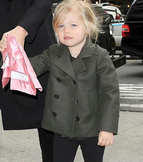 Shiloh Nouvel Pitt  Brangelináék első vér szerinti gyerkőce, Shiloh 2006 májusában látta meg a napvilágot. A cuki kislány édesanyja vonásait és apukája hajszínét örökölte.