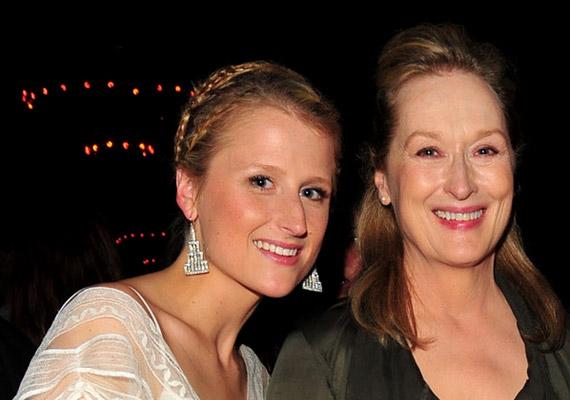 A négy testvér közül Mamie Gummer hasonlít leginkább világhírű édesanyjukra, Meryl Streepre. A 31 éves színésznő követte édesanyját a pályán: olyan filmekben láthattad, mint a 2013-as, Életmentő című romantikus dráma vagy a 2015-ös, Dübörög a szív című film.