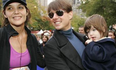 Suri szülei Katie Holmes és Tom Cruise