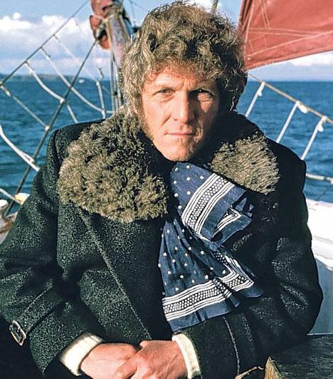 Peter GilmoreA Magyarországon is sikerrel vetített Az Onedin család kapitánya február 3-án hosszú betegség után, 81 éves korában halt meg egy londoni hospice-házban.Kapcsolódó cikk:Elhunyt a magyar nézők kedvence »