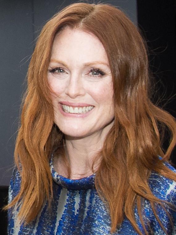 Az 55 éves Julianne Moore is azok közé a sztárok közé tartozik, akik ódzkodnak a botoxtól. Többször nyilatkozta, hogy ráncokkal is szépnek tartja magát - és milyen igaza van!