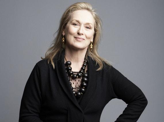 Meryl Streepet sem ragadta el a plasztikahullám: a 67 éves sztár azt nyilatkozta, hogy nem szeretne úgy tükörbe nézni, hogy nem önmagát látja viszont.