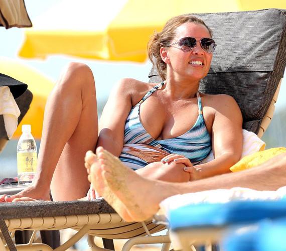 Az 52 éves Vanessa Williamset olyan filmekben láthatták a mozirajongók, mint a Végképp eltörölni vagy a Shaft, de a Született feleségekben is játszott: ő alakította Renee Perryt. A sztár alakjára sem lehet panasz bikiniben, hihetetlen, hogy négy gyerkőc anyukája!