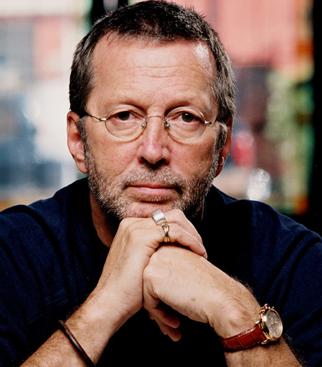 Eric Clapton  Négyéves kisfiát veszítette el, aki kiesett egy felhőkarcoló 53. emeletéről. A legendás zenész neki állított emléket a Tears in Heaven című számával.