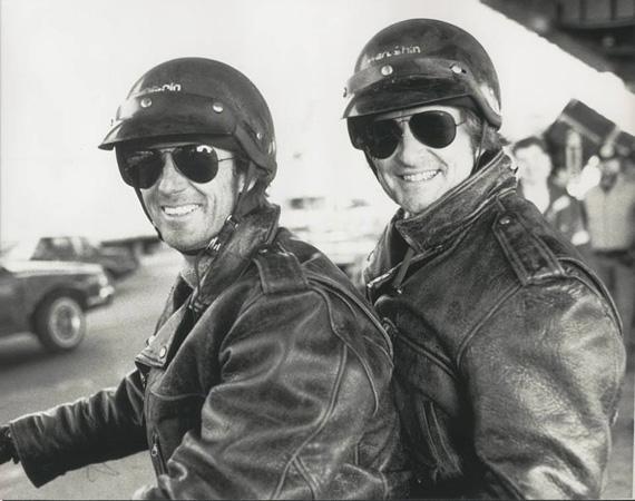 Az 1989-ben bemutatott Fekete eső az első közös munkáik egyike volt. A Ridley Scott által rendezett filmet Oscarra is jelölték. Mike Runyard egyébként nemcsak Michael Douglas dublőre, dolgozott már Harrison Forddal, Christopher Walkennel és Sean Conneryvel is.