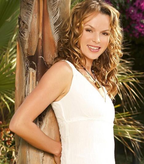 Amanda Holden  A Britain's Got Talent című brit tehetségkutató műsor népszerű zsűritagjának vonalairól ez a fehér ruha sem árulja el, hogy a sztár már kétgyermekes anyuka.