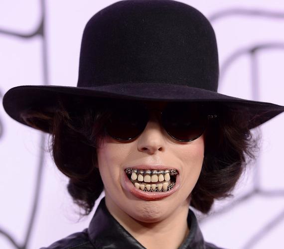 Lady Gaga mindig a határokat veszegette, ezzel a kinézetével is sokaknál kiverte a biztosítékot.
