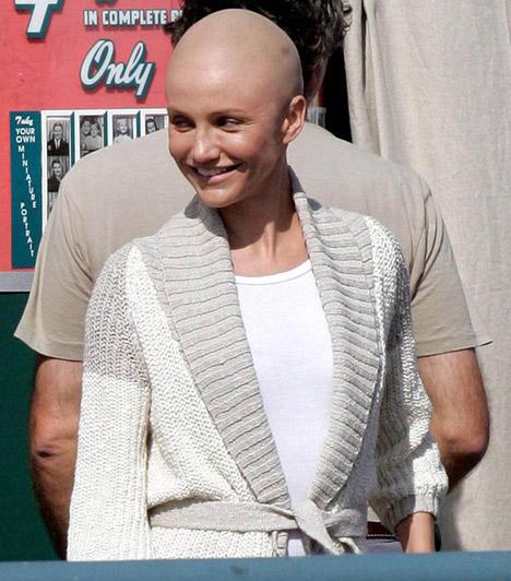 Cameron Diaz                         A szexi színésznőt a My Sister's Keeper című 2008-as drámában láthatta kopaszon a közönség, ám valójában nem borotválta le a haját, a változás a maszkmestereknek köszönhető.
