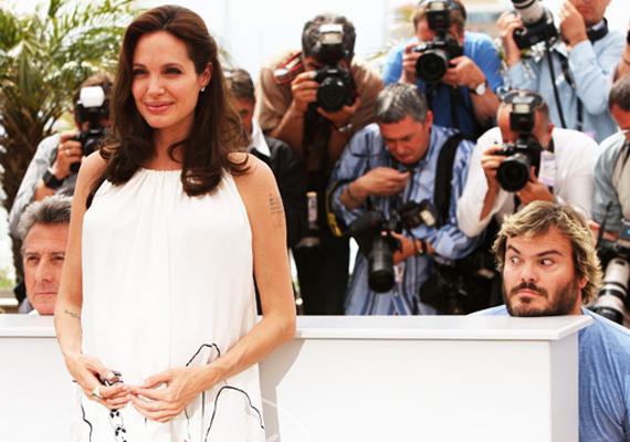 Angelina Jolie a Kung fu panda 2 premierjén lett Jack Black és Dustin Hoffmann áldozata.