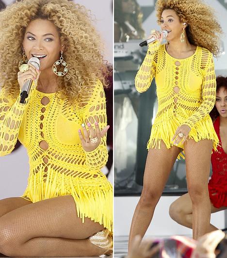 Beyoncé  A csokibőrű díva nem fél a színektől, hiszen nincs is rá oka, még a legmerészebb, legélénkebb árnyalatok is csodásan mutatnak rajta. A Good Morning America című tévéműsor nyári koncertsorozatának egyik adásában egy napsága, horgolt fellépőruhában lépett színpadra.  Kapcsolódó cikk: Alul semmi? Beyoncé merész, arany dresszben lépett színpadra Angliában »