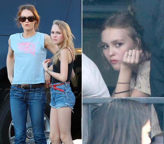 Vanessa Paradis és Johnny Depp lánya a 15 éves Lily-Rose, aki nemrégiben apukájával forgatott a Yoga Hosers című filmben. Ő is ahogy nő, úgy válik hasonlatossá édesanyjához.