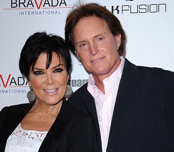 A Kardashian lányok édesanyja, Kris Jenner és olimpiai bajnok férje, Bruce Jenner szappanoperájában most egy újabb fejezet nyílt, Kris ugyanis most kibékíthetetlen ellentétekre hivatkozva szeptember végén beadta a válókeresetet 23 év házasság után.