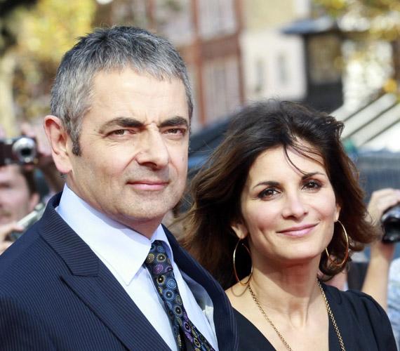 Rowan Atkinson és felesége,Sunetra 2012 óta nem mutatkozott együtt. A brit komikus egy fiatal lányba szeretett bele, február végén pedig el is költözött a családi házból.