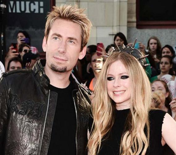 Avril Lavigne és férje, Chad Kroeger szeptember 17-én jelentették be, hogy 14 hónap házasság után a különválás mellett döntöttek.