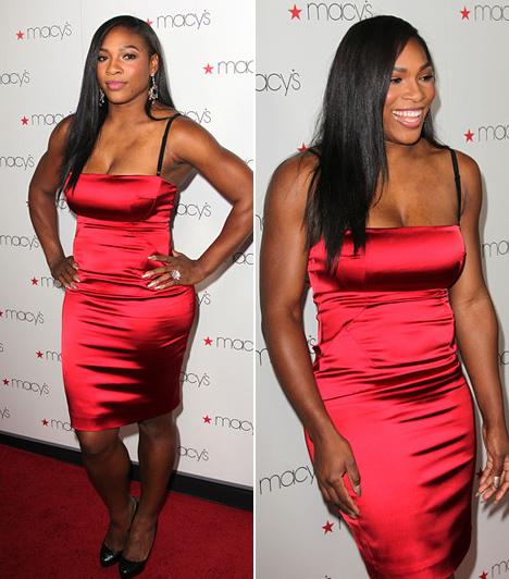 Serena Williams                         Bár a teniszpályán elég korlátozottak a lehetőségek, hogy kiélje divat iránti szenvedélyét, Serena Williams imád feltűnést kelteni a vörös szőnyegen. Ezt a káprázatos koktélruhát a Glamorama elnevezésű rendezvényen viselte Los Angelesben, 2010 szeptemberében - és garantáltan sikert aratott vele.