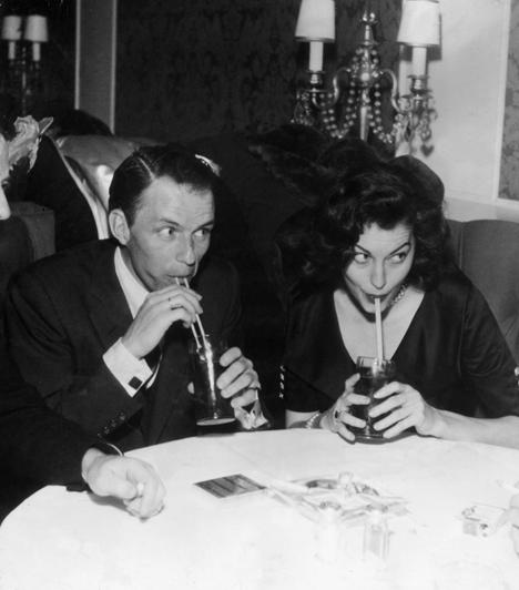 Ava Gardner és Frank Sinatra  Mickey Rooney színész és Artie Shaw jazz zenész után Ava Gardner 1951-ben ment feleségül a legendás énekeshez, aki saját bevallása szerint élete egyetlen igaz szerelme volt. Talán nem véletlen, hogy a színésznő 1957-es válásuk után többé sosem állt az oltár elé.