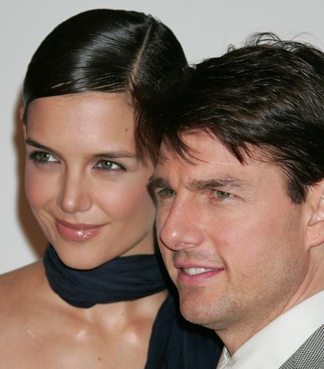 Katie Holmes és Tom Cruise  Cruise 2005-ben vallotta be Oprah Winfrey-nek Holmes iránt érzett szerelmét, nem sokkal később pedig az Eiffel-toronyban kérte meg a kezét. 2006 ápriliásban megszületett első gyermekük, Suri Cruise. A pár válását 2012 júliusában mondták ki.