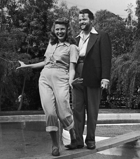 Rita Hayworth és Orson Welles  Rita Hayworth élete során öt férjet fogyasztott el, a második Orson Welles volt. A pár 1943-ban állt az oltár elé, frigyük pedig öt évvel később ért véget. Hayworth elmondása szerint férje többre tartotta a szabadságot annál, hogy felelősséget vállaljon családjáért.