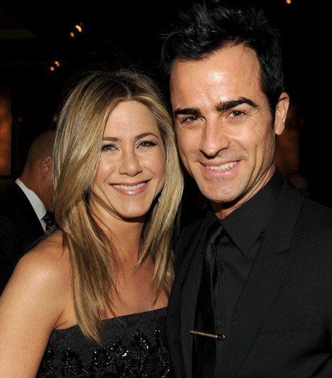 Jennifer Aniston és Justin Theroux  A Jóbarátok sztárja igaz szerelmet talált az 1971-es születésű színész-rendező mellett, akivel a pletykák szerint már a gyerekeket tervezik.  Kapcsolódó cikk: A szerelem fiatalít? Jennifer Aniston kislányos miniben hódított a premieren »