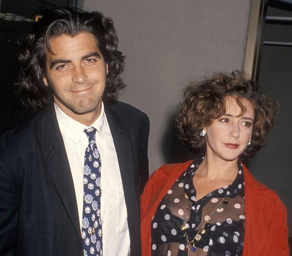 Bár most attól hangos a sajtó, hogy végre oltár elé viszik a megrögzött agglegény George Clooney-t, azt mindenki elfelejti, hogy a színész már egyszer volt nős. 1989-ben vette el Talia Balsam színésznőt, de három évvel később elváltak.