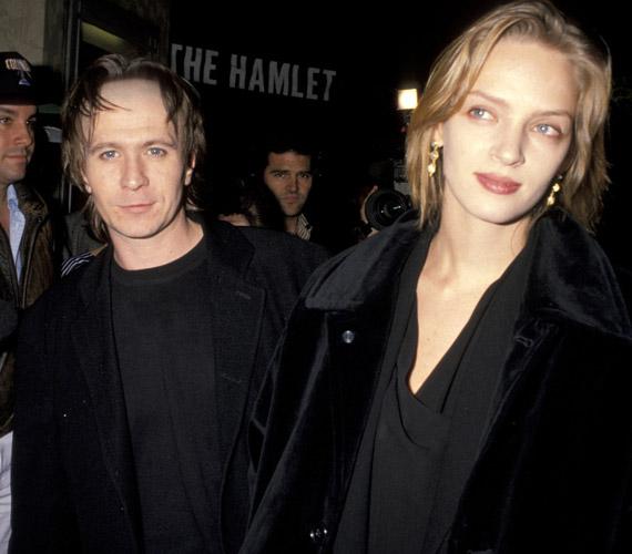 1990-ben házasodott össze Gary Oldman és a nála 12 évvel fiatalabb Uma Thurman, ám két év után el is váltak, mivel jóformán nem is találkoztak.