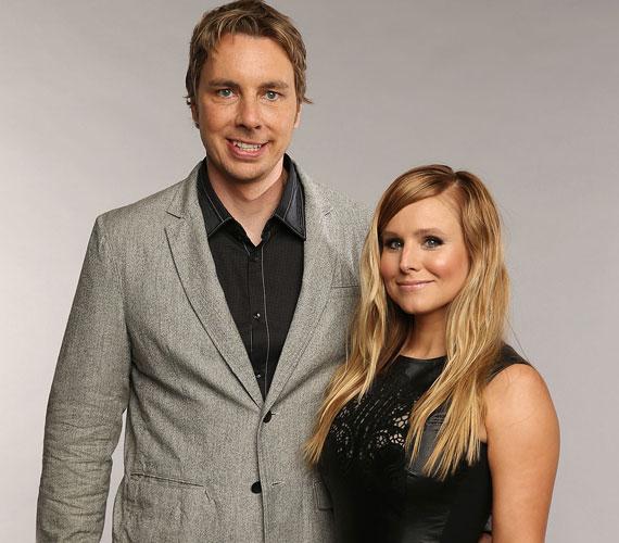 A Pletykafészek és a Hősök sztárja, Kristen Bell 2013-ban ment hozzá kollégájához, Dax Shepardhoz, de már 2007 óta jártak. A 33 éves színésznő és 40 éves férje két kislány szülei.