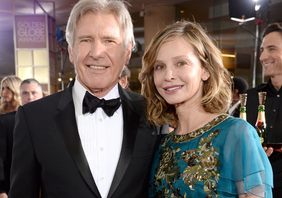 Harrison Fordot megfiatalítja 20 évvel ifjabb szerelme. Az 51 éves Calista Flockharttal 2010-ben kötöttek házasságot, és azóta elválaszthatatlanok.