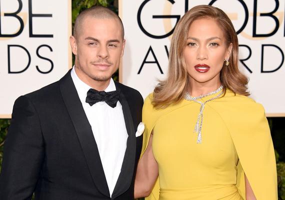 Jennifer Lopez és Casper Smart gyönyörű párost alkottak a vörös szőnyegen, és azon kívül is. A két sztár már öt éve él boldog párkapcsolatban.