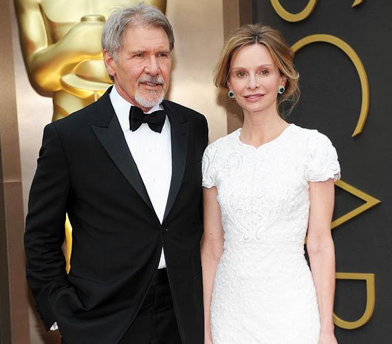 A most 72 éves Harrison Ford és 22 évvel fiatalabb felesége, Calista Flockhart 2002-ben kezdtek el randizni, egy balesetnek köszönhetően: a színész ugyanis véletlenül leöntötte kolléganője ruháját egy pohár borral a Golden Globe egyik rendezvényén. Végül nyolc évvel később, 2010-ben házasodtak össze Új-Mexikóban, közösen nevelik a színésznő örökbe fogadott fiát, Liamet.