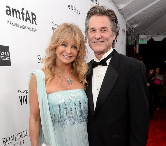 Kurt Russell és Goldie Hawn kapcsolata 1983-ban kezdődött, a Második műszak című filmdráma forgatásán ismerkedtek össze, és azóta együtt vannak, de soha nem házasodtak össze. A színésznő ezt megelőzően kétszer, a színész egyszer volt házas, de mindegyik frigy csak néhány évig tartott.