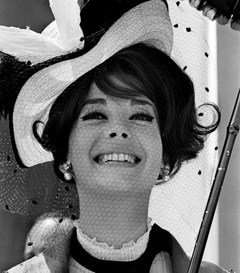 Natalie Wood  1981. november 29-én a gyönyörű színésznő férjével, Robert Wagnerrel és Christopher Walken színésszel a Splendor nevű jachton töltötte az éjszakát. Egy vitát követően a 43 éves Wood a kabinjába indult, vízbe fúlt holttestét pedig másnap reggel találták meg. Halálának pontos körülményeit nem sikerült megnyugtatóan tisztázni.