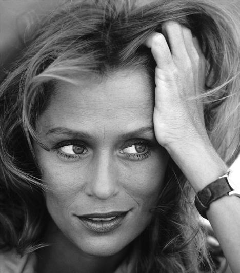 Lauren Hutton  Az amerikai modell sikeres színészi karriert is befutott, egyik legemlékezetesebb alakítását az 1980-as Amerikai dzsigolóban láthattuk. Hutton 2000 októberében súlyos motorbalesetet szenvedett, majd öt évvel később - 61 évesen - meztelenül pózolt a Big magazinban.