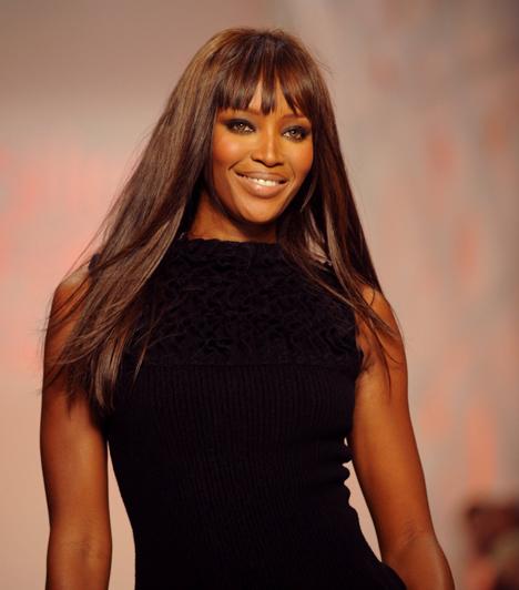 Naomi Campbell  A brit szupermodell tinédzserkorában robbant be a divatvilágba, 1988-ban pedig ő volt az első színesbőrű modell, akinek fényképét a Vogue Paris a címlapon közölte. Az elmúlt években inkább botrányaival hívta fel magára a figyelmet. Kapcsolódó sztárlexikon: Ilyen volt, ilyen lett: Naomi Campbell »