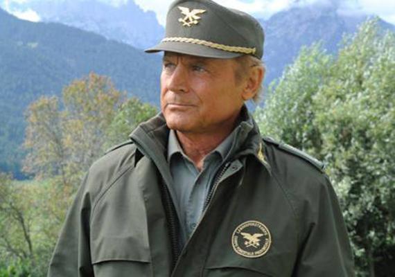 Az olasz filmcsillag igyekszik is formában maradni, hogy jól mutasson a képernyőn. Az Alpesi őrjárat című sorozatnak továbbra is ő az egyik főszereplője.