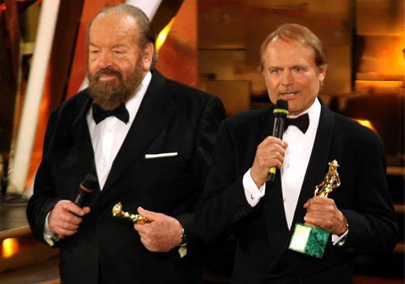 2010-ben kollégájával, Bud Spencerrel közösen átvehették a David di Donatello-életműdíjat.