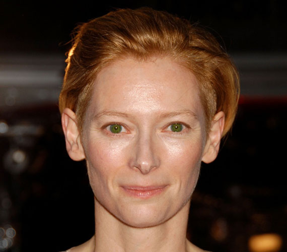 John Byrne-től két gyermeke született: Xavier és Honor, a fiúkat a színésznő szándékosan óvja a nyilvánosságtól.