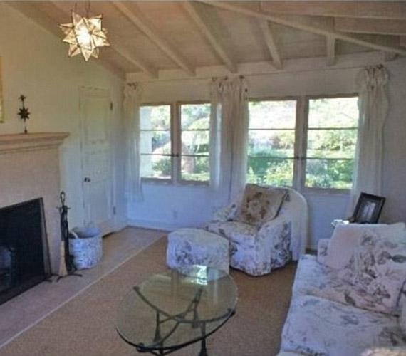 A házban rengeteg pihenőszoba is található, melyek különlegessége, hogy teraszaik az óceánra néznek.