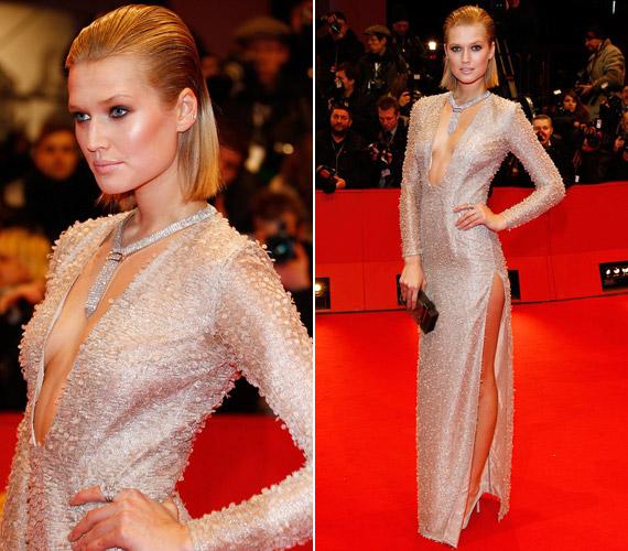 A 21 éves német modell, Toni Garrn lépett a vörös szőnyegre a legmerészebb, köldökig kivágott ruhában.
