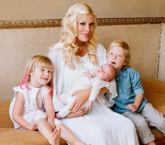 Három gyermekük született: Liam négyéves, Stella három, és idén októberben látta meg a napvilágot legkisebb kislányuk, Hettie.