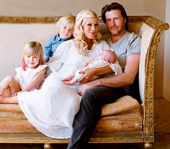 A sztárpár 2006-ban mondta ki a boldogító igent, de 2010 májusában újraházasodtak, Beverly Hills-ben másodszor is kimondták egymásnak tett fogadalmukat.