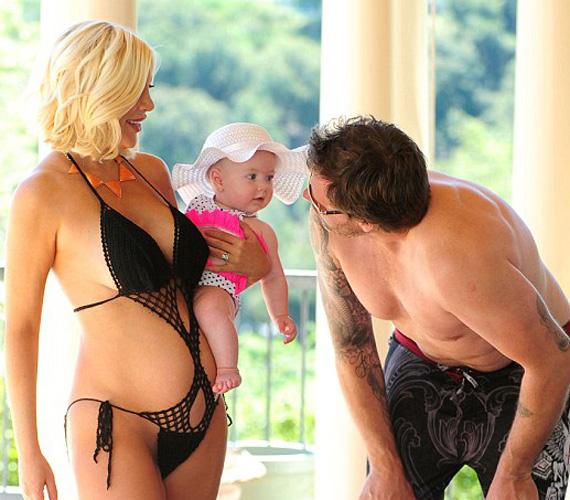 A kis Hattie Margaret még csak hét hónapos, ám nemsokára egy újabb kisbabával kell osztoznia édesanyja figyelmén.