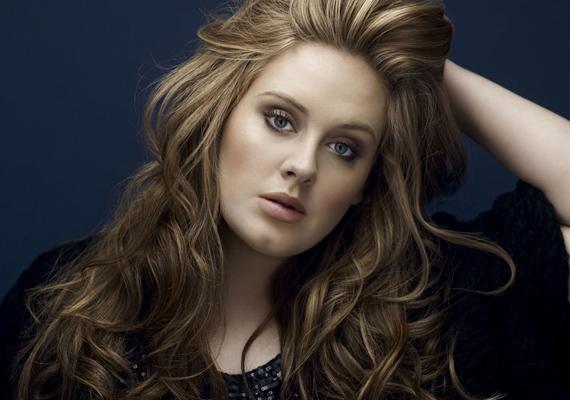 Adelet maga Karl Lagerfeld utasította helyre, miszerint a szakmában nincs helye egy ilyen kövér nőnek. A csodás hanggal megáldott énekesnő mellett többen is kiálltak, azonban Lagerfeld szerint ezzel csak segített a sztáron, aki a gonosz komment után jó pár kilótól megszabadult. Persze azóta sem S-es méret, de nem is modellalkatáért szeretjük a Rolling in the Deep című sláger előadóját.