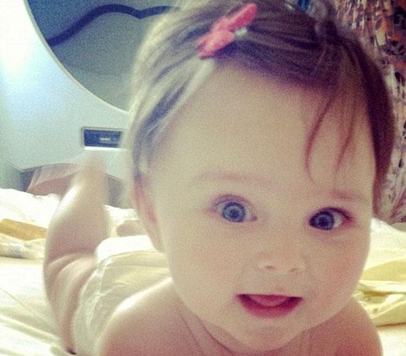 A tündéri kis Aoife Belle a negyedik lett a legdivatosabb babák sorában. A győztes Victoria Beckham kislánya, Harper.