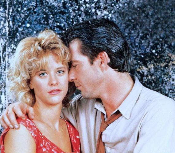 Amikor a romantikus filmek hősnője és a szívtipró színész 1991. február 14-én összeházasodtak, akkor úgy tűnt, hogy szerelmük mindent kibír. Ezért is rázta meg a rajongókat, amikor kiderült, hogy Meg Ryan beleszeretett kollégájába, Russell Crowe-ba, és miatta otthagyta a férjét és a gyerekét is. A szerelem nem tartott sokáig, de a színésznő házassága sem bírta ki ezt a válságot: 2001-ben kimondták a válásukat.
