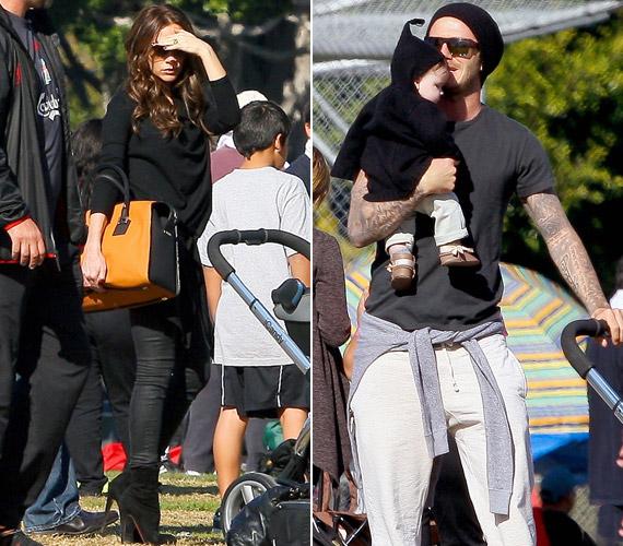 Még a parkba is tűsarkú csizmában megy - míg férje egy kényelmes mackónadrágot visel.